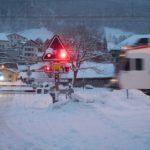 大雪の踏切